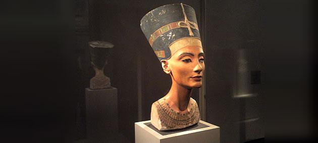 Die Büste der Nofretete im Ägyptischen Museum zu Berlin. Foto: grenzwissenschaft-aktuell.de