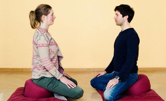 013-zwei-meditierende-bei-der-sog-kontemplativen-dyade