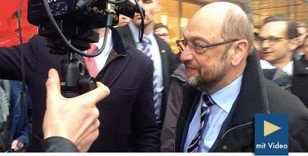 SPD-Kanzlerkandidat Martin Schulz will sich um deutsche UFO-Akten bemühen