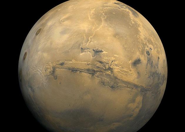 Studie zeigt: Auf dem Mars ist flüssiges Wasser – und Leben darin – möglich