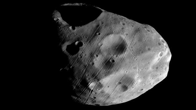 Sonde Liefert Neue Aufnahmen Von Mars Mond Phobos