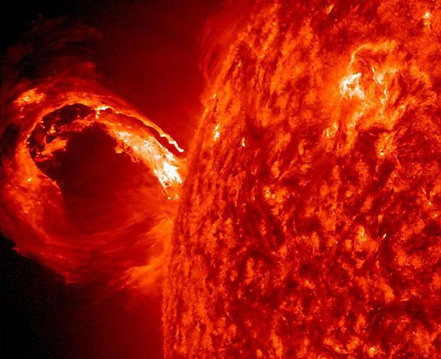 Archivbild: Gewaltiger Sonnenausbruch. Copyright: NASA/SDO