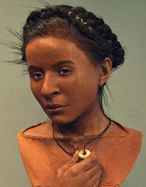 """Gesichtsrekonstruktion der """"Whitehawk Woman"""", einer Frau der Jungsteinzeit, deren Überreste in der englischen Grafschaft Sussex gefunden und auf ein Alter von 5.600 Jahre datiert wurden. Copyright/Quelle: Royal Pavilion & Museum, Brighton"""
