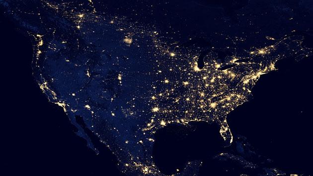 Nordamerika bei Nacht, aus dem All betrachtet. Copyright/Quelle: NASA