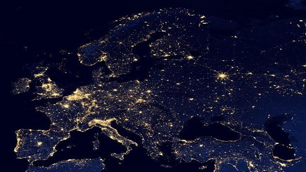 Symbolbild: Blick auf das nächtliche Europa aus dem All. Copyright/Quelle: NASA