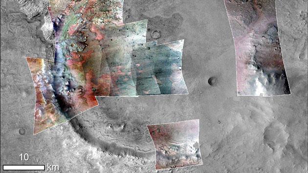 Farbverstärkte Überblendung der Mineralablagerungen im Jezero-Karter. Carbonate sind hier grünlich abgebildet. Copyright: NASA