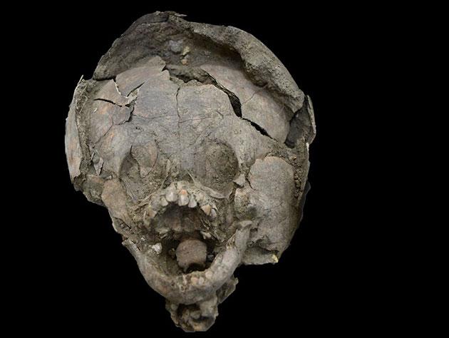 "Archäologen finden Kinderskelette mit ""Helmen"" aus Schädeln älterer Kinder"