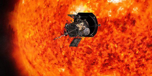 """Künstlerische Darstellung der NASA-Sonnensonde """"Parker Solar Probe"""" vor der Sonne (Illu.). Copyright: Johns Hopkins APL/ NASA"""