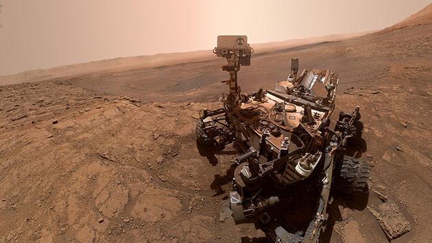 "Selfie des NASA-Rovers ""Curiosity"" an seinem Arbeitsort, dem Mars-Krater Gale. Copyright: NASA"