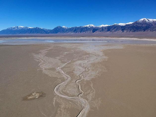 Als irdisches Gegenstück zum Jezero-Delta nutzten die Wissenschaftler einen vegetationsfreien Fluss in den McLeod Springs Wash im Toiyabe-Becken von Nevada Copyright: Alessandro Ielpi