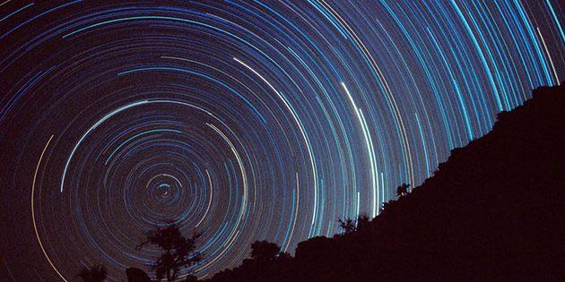 Symbolbild: Strichspuren des südlichen Himmels. Copyright: Sebastian Voltmer, www.apollo-13.eu