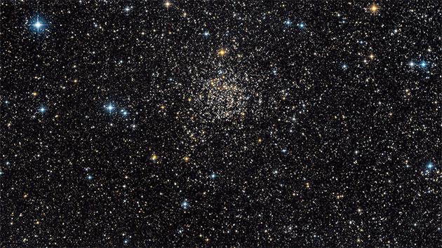 """Der alte, auch als """"Carolines Rose"""" bezeichnete sog. offenen Sternenhaufen """"NGC 7789"""". Er befindet sich rund 8.000 Lichtjahre entfernt im Sternbild """"Cassiopeia"""" und beinhaltete Weiße Zwergsterne mit ungewöhnlich großen Sternenmassen. Copyright Guillaume Seigneuret and NASA"""