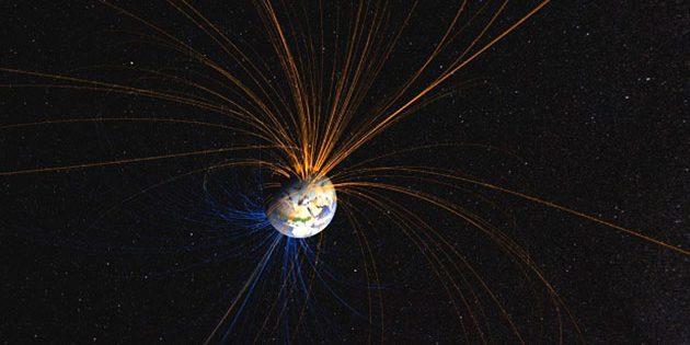 Grafische Darstellung des Erdmagnetfeldes (Illu.) Copyright: NASA Goddard Space Flight Center
