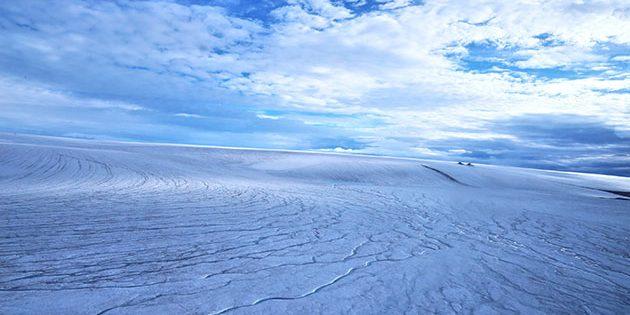 Die Eiskappe über großen Teilen der antarktischen Devon Island. So stellen sich die Autoren einer aktuellen Studie auch große Teile der urzeitlichen Marsoberfläche vor. Copyright: Anna Grau Galofre