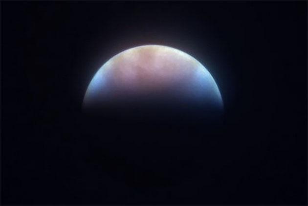 Teleskopaufnahme der Venussichel. Copyright: Dr. Sebastian Voltmer