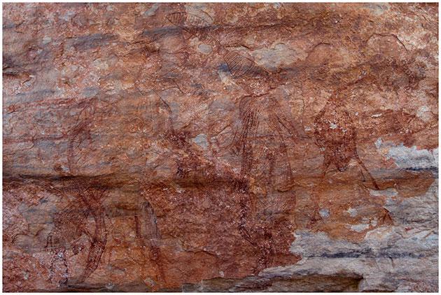 Ein Beispiel einer komplexen Maliwawa-Bilderszene mit menschlichen und Tierdarstellungen. Copyright/Quelle: P. Taçon et al., Australian Archaeology, 2020