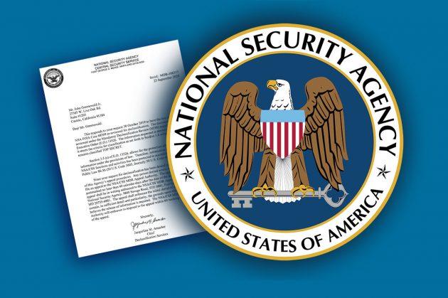 """Das Siegel der National Security Agency (NSA) vor dem Hintergrund eines Antwortschriebens an """"The Black Vault"""". Copyright: grewi.de/USGov."""
