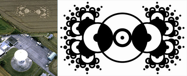 """Diese Kornkreisformation wurde im Sommer 2000 im selben Feld entdeckt und wird in der """"Antwort"""" von 2013 vereinfacht und binar codiert, jedoch mit """"falscher"""" Größenangabe dargestellt. Copyright: Steve Alexander, temporarytemples.co.uk (Foto) / A. Müller für grenzwissenschaft-aktuell.de (Grafik)"""