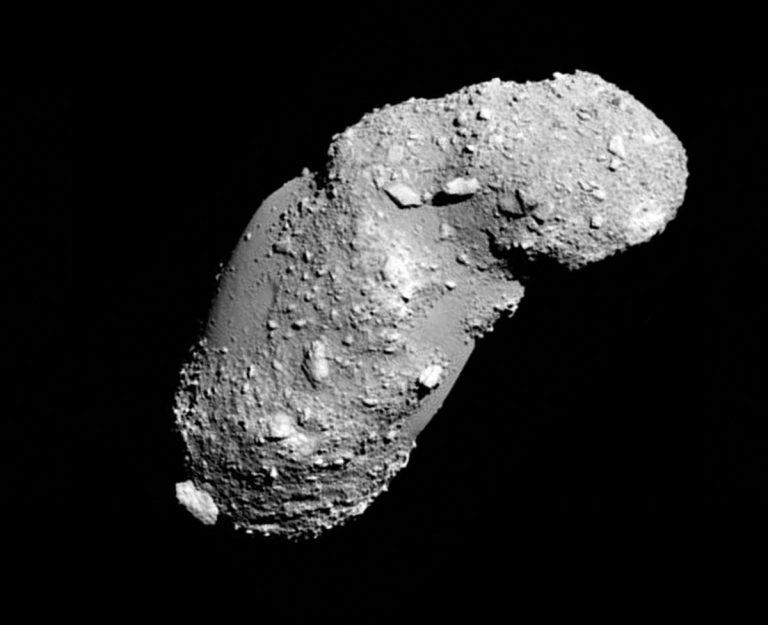 """Aufnahme des erdnahen Asteroiden """"Itokawa"""" durch die japanische Sonde """"Hayabusa"""". Copyright: JAXA"""