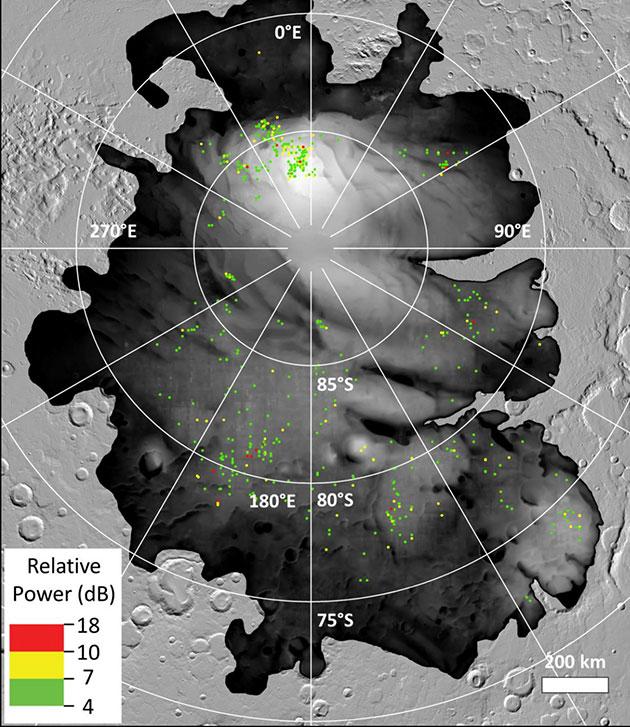 """Die farbigen Punkte zeigen Orte mit hellen Radarreflexionen an, wie sie von der ESA-Sonde """"Mars Express"""" am Mars-Südpol detektiert wurden. Copyright: ESA/NASA/JPL-Caltech"""