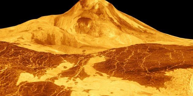 Der große Venus-Vulkan Maat Mons auf einer farbsimulierten Aufnahme der Magellan-Sonde von 1991. Copyright: NASA/JPL