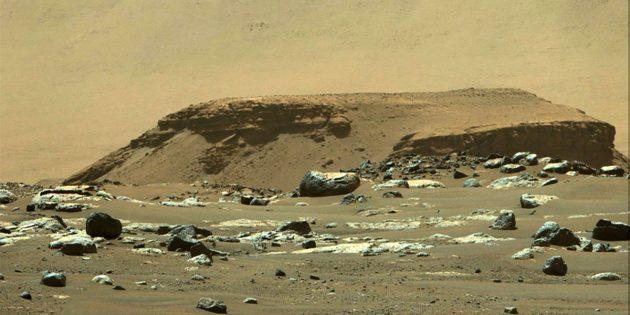 Sedimente und Felsbrocken kennzeichnen das einstige Delta im Innern des Mars-Kraters Jezero. Copyright: NASA/JPL-Caltech/ASU/MSSS